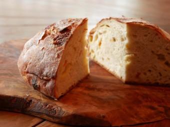 BIANCARA(ビアンカーラ)の「オレンジキュラソー漬けきんかんとホワイトチェダーのパン」の写真