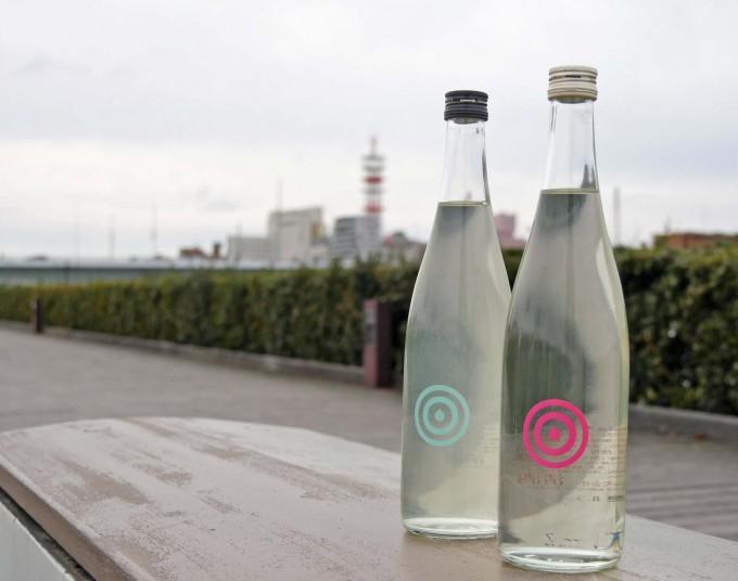 とてもきれいな味わいの日本酒、純米大吟醸「HANA」と純米吟醸酒の「YUKI」の写真