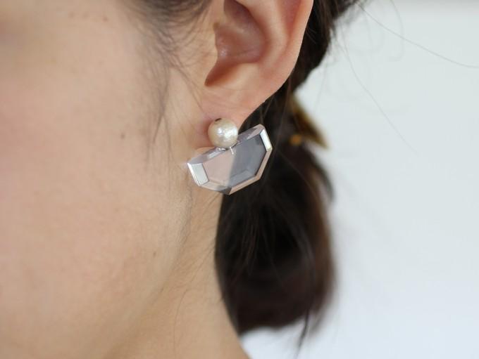 眼鏡のフレームと同素材。「Sur(サー)」の透明感あふれるアクセサリー