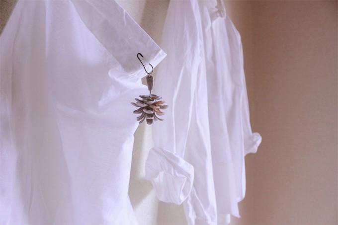 やさしく洋服を彩る。mimi senka(ミミ センカ)の染花アクセサリー