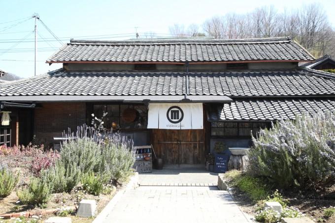 小豆島唯一の酒造「森國酒造カフェ&ベーカリー」