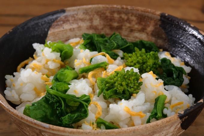 お腹に優しいヘルシー365レシピ「菜の花と錦糸玉子のちらし寿司」の出来上がり写真