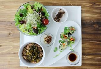 札幌「自然食&ローフードロハス」のワンプレート