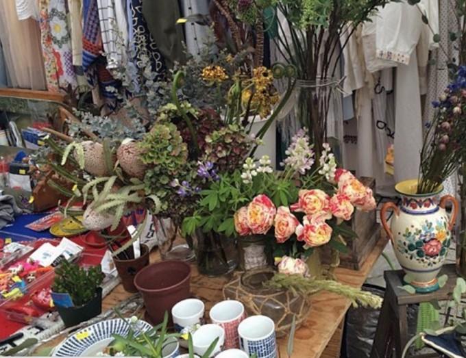 青山、国連大学のRAWTOKYO(ロー東京)生花とスワッグ