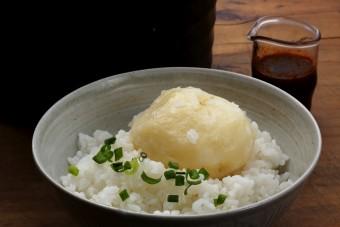 お腹に優しいヘルシー365レシピ「新じゃがの炊き込みご飯」の出来上がり写真