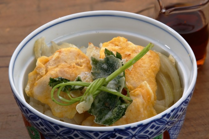 お腹に優しいヘルシー365レシピ「簡単天丼」の出来上がり写真
