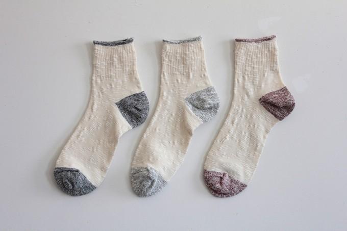 おすすめ春靴下、「hacu(ハク)」のナチュラルな靴下