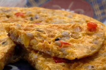 お腹に優しいヘルシー365レシピ「雑穀のスペイン風オムレツ」の出来上がり写真