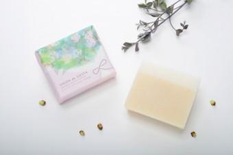 ふんわりした泡と香りに癒される。肌と気持ちに心地よい『石鹸』ブランド