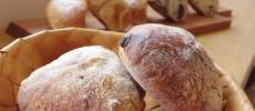 美瑛の小さなパン屋さん「リッカロッカ」。小麦が香るシンプルなパンは毎日でも食べたくなる