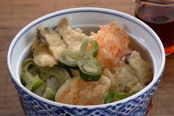お腹に優しいヘルシー365レシピ「簡単天丼えび・ピーマン」の出来上がり写真