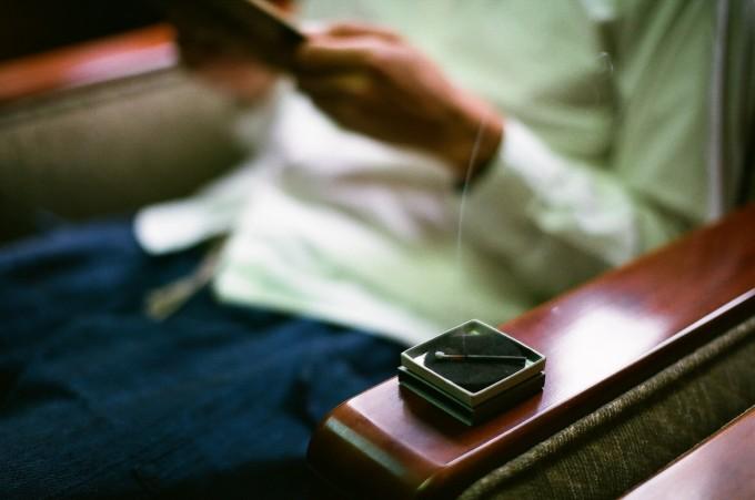 日々の10分を最高の癒し時間へと導く、マッチのような「hibi」のお香