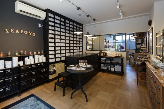 清澄白河にある紅茶専門店「TEAPOND」の内装