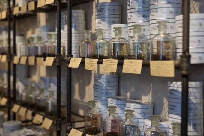 清澄白河にある紅茶専門店「TEAPOND」で売られている茶葉たち