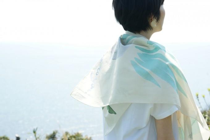 多肉植物イラストのスカーフ