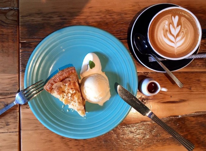 アップルパイ専門店グラニースミスのアイス・アップルパイ・コーヒー