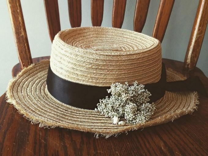 カンカン帽とアクセサリー