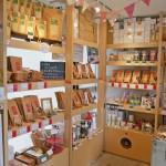 代々木ビレッジ、コンテナート店内の紅茶の茶葉販売、紅茶のパッケージ
