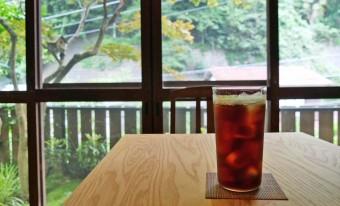 厳選したコーヒー豆の味わいを生かす焙煎。「石かわ珈琲」の静かで熱いこだわり。