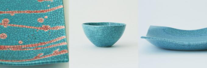 ヒビ模様が入ったターコイズ色の陶器のお皿2種類と茶碗