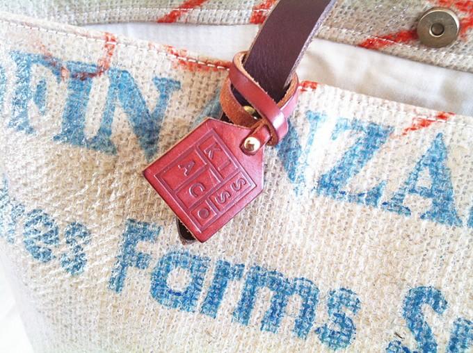 「KISSACO(キッサコ)」のコーヒーの生豆の麻袋で作られるバッグ