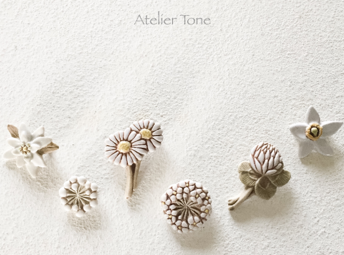 下山陽子さん作、お花や植物がモチーフのブローチ6点
