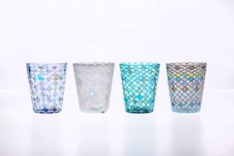 流れゆくような模様が美しい「潮工房(うしおこうぼう)」の吹きガラス