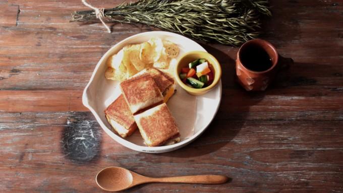 トーストサンドを「TOASTED」で味わってみて。