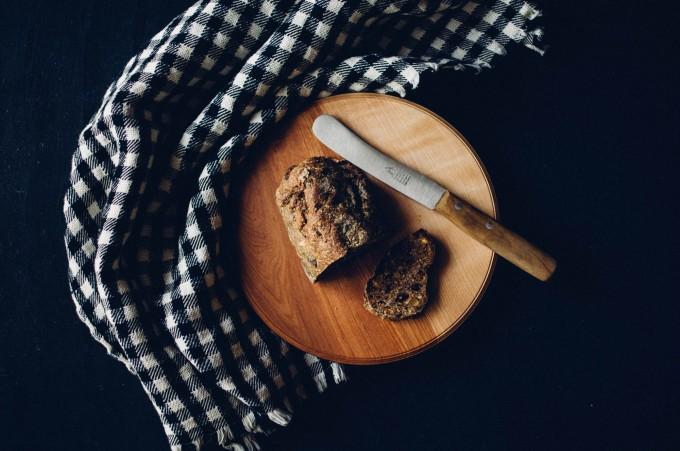 パンと日用品のお店「わざわざ」のカッティングボード