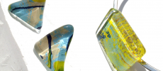 comb de shio(コムデシオ)のガラスピアス1組とガラスチョーカー