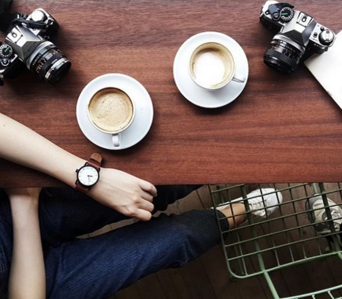 コーヒーとTID Watches(ティッド ウォッチズ)の腕時計