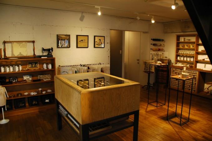 フランス刺繍家小林モー子(Môko Kobayashi)のアトリエの写真