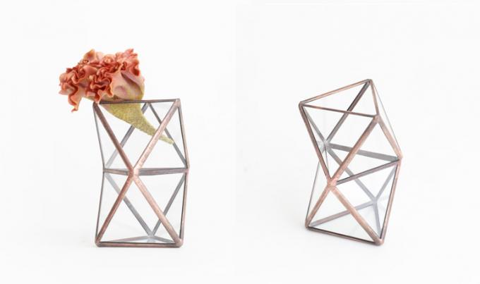 10¹² TERRA(テラ)の三角のガラスパーツで作られたフラワーベース2つ
