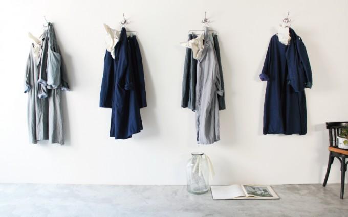 福岡県福岡市のVeritecoeur(ヴェリテクール)直営店に並ぶ洋服