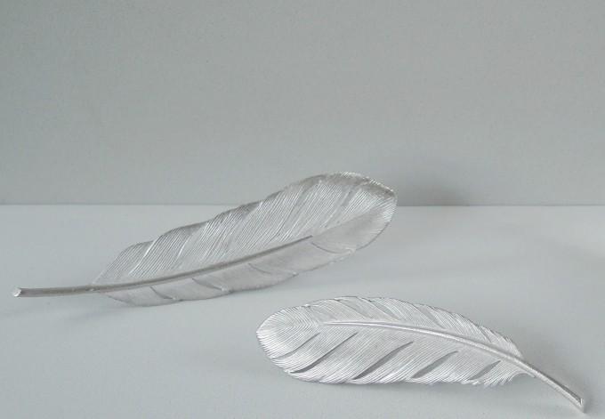 wataru yamazaki(ワタル ヤマザキ)の銀製フェザーブローチ2点