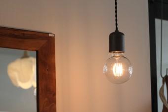 やさしく灯るランプたちの、あたたかい魅力に気づかせてくれる雑貨店「touca」