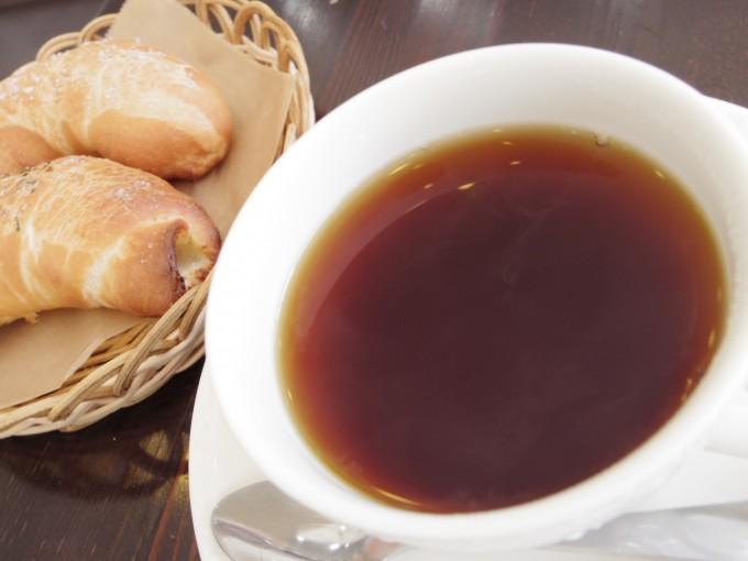 札幌に「fiola」のメロンパン以外の唯一のメニュー塩パン。
