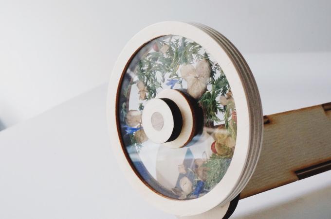 月島Sのセレクト雑貨。本物の草花を使用した万華鏡