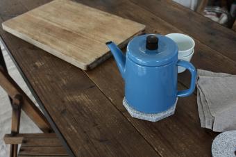 心地よい温度と安心感をキッチンに。庵治石でつくる「AJI PROJECT」の生活雑貨