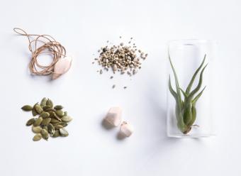 陶器のぬくもりが自然と日々に溶け込んでいく「HISTORIE(ヒストリエ)」のジュエリー
