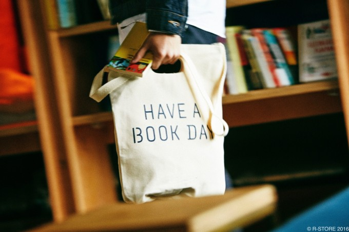 BOOK AND BED TOKYO(ブックアンドベッドトーキョー)と1LDKがコラボしたオリジナルトートバッグ