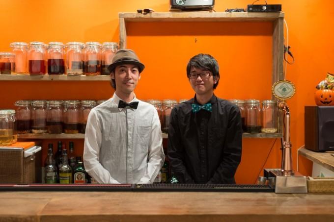 「浅草薬酒バー」では手相やタロット占い、お笑いライブなどのイベントも開催されます