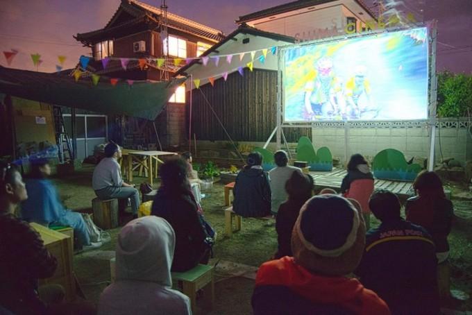 「シマシネマ」の会場の島小屋の様子