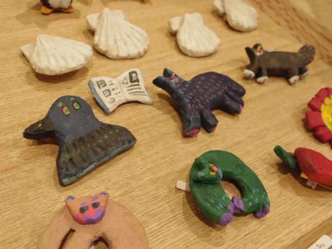 札幌のヒシガタ文庫に置いてある動物アクセサリー
