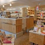 本+コーヒー+アート。新しい本に出会える神楽坂の小さな本屋さん、「かもめブックス」