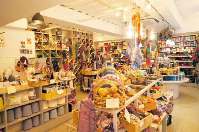 浅草橋の毛糸専門店Keito(ケイト)の店内写真