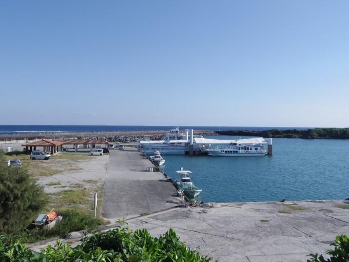 久高島の船着場