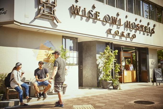 八丁堀にある「WISE OWL HOSTELS TOKYO」の入り口