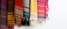 播州織の新しい解釈。「tamaki niime」の色あざやかなショールで、日々を明るく軽やかに