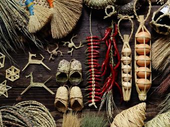 伝統的な技術が過去と未来をつなぐ。現代の暮らしにフィットする「工房ストロー」の藁(わら)細工
